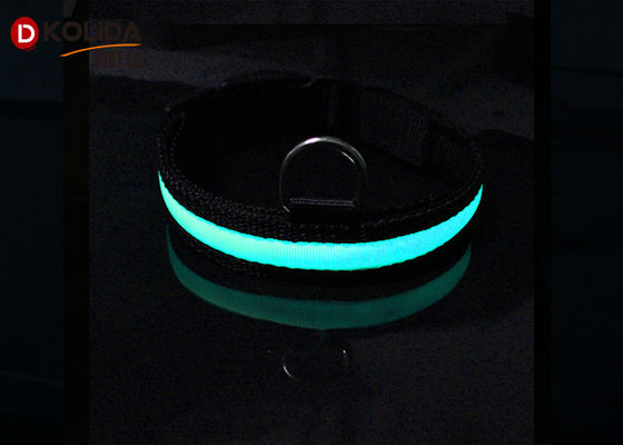 Nylon Night Safety Pet Flashing LED Flashing Dog Collar, Ukuran S / M / L Easy Walk Dog Collar
